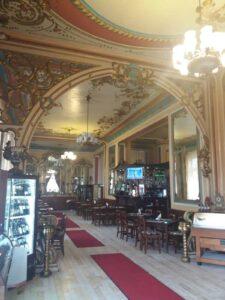 Prachtige plafonds bij restaurant Butoiul de Aur in Oradea