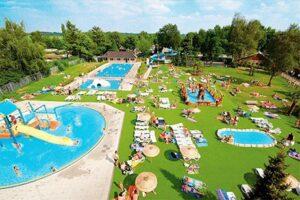 Nachtje weg met kind: Buitenzwembad Vakantiepark en hotel Marveld