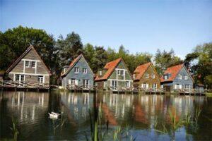 Vakantiepark Efteling Bosrijk Luxe vakantiehuisjes in het vakantiepark van de Efteling
