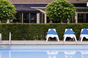 Buitenzwembad Novotel Breda - Hotel met Buitenzwembad