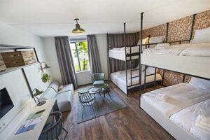 Familiekamer 8 personen Guesthouse Hotel Kaatsheuvel
