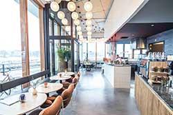 Café van Hotel Pontsteiger Amsterdam - Nieuw Hotel in Nederland