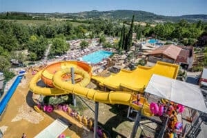 Camping met waterpark - Camping Domaine le Pommier in Frankrijk