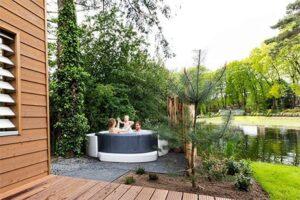 Vakantiehuisje met bubbelbad bij Topparken Landgoed de Scheleberg - Type 4 Deluxe