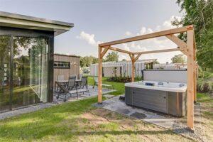 Huisje met bubbelbad bij Landal Amerongse Berg - Type 6EL2