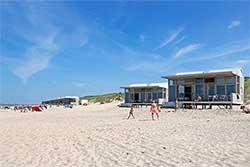 Strandhuisje in Nederland op Molecaten Park Hoogduin