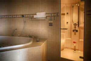 Hotelkamer met bubbelbad - Koperen Hoogte Zwolle