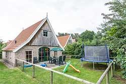 Landal Kinderbungalow - Vakantiehuis met trampoline bij Landal Landgoed De Hellendoornse Berg