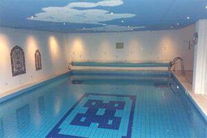 Binnenzwembad - B&B Soestdijk in Soest