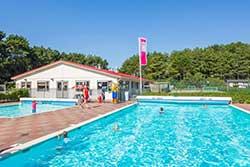 Buitenzwembad Roompot Kustpark Egmond aan Zee - Vakantiepark met buitenzwembad