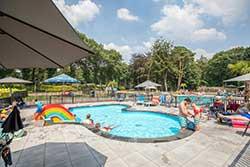 Buitenzwembad Topparken Landgoed de Scheleberg - Vakantiepark met buitenzwembad