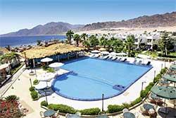 Zwembad van Duikresort Swiss In Resort in Dahab - Hotel met Huisrif en duikschool in Egypte