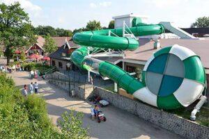 Vakantiepark Achterhoek - Marveld recreatie - glijbaan van zwembad