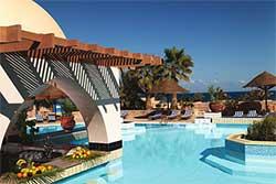 Duikresort Egypte - Zwembad Mövenpick rsort in El Quseir - hotel met huisrif en duikschool in Egypte