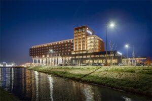 Aanzicht Van der Valk Hotel Zwolle - Nummer 5 beste Van der Valk Hotels Nederland