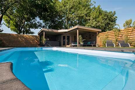 Privé sauna met zwembad -zwembad bij sensses wellness in Boerakker - Groningen