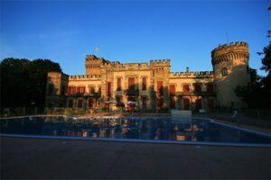Kasteelcamping Frankrijk - Camping Chateau La Grange Fort - Zwembad
