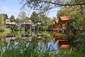 Natuurhuisje Duitsland - Boomhutten en lodges aan het water bij Baumhaushotel Oberbayern