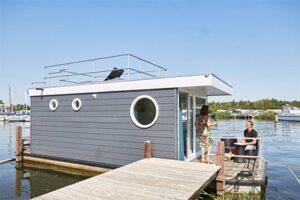 RCN Vakantiepark Zeewolde - Woonboot de Meerkoet aan het Veluwemeer