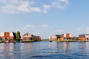 Recreatiepark Tusken de Marren - Vakantiehuizen aan het water in Friesland