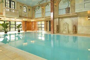 Zwembad van Fletcher Hotel de Hunzebergen - Gratis voor gasten Landal Puur Exloo