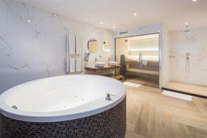Wellness Suite - Van der Valk Hotel Wieringermeer - Exclusief Suite - Jacuzzi en sauna