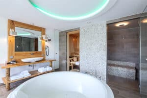 Wellness Suite Van der Valk Hotel Vianen - Bubbelbad - Sauna - Stoomcabine