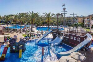 Zafiro Can Picafort - Zwembad met glijbanen Mallorca