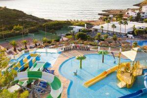 Kindvriendelijk hotel met glijbanen - Menorca - Carema Club Resort