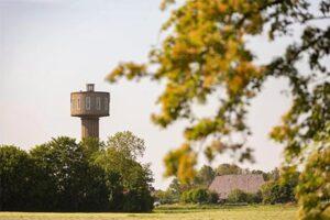 Bijzonder overnachten Ameland - Watertorenhotel Nes - Slapen in een watertoren