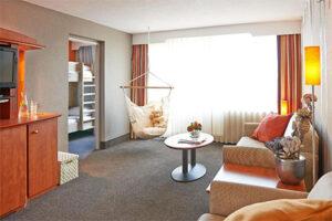 Familiekamer aan zee - Carlton Beach Hotel Scheveningen - twee aparte slaapkamers
