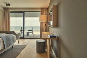 Hotel de Blanke Top in Cadzand Bad - Luxe hotel aan zee in Zeeland - hotelkamer met zeezicht