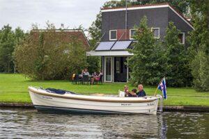 Watervilla - Vakantiepark Kuilart - Vakantiehuis met sloep huren Friesland